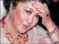 Imelda Marcos penniless yet jeweled