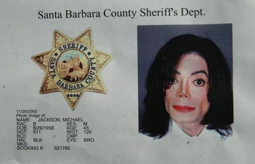 Michael Jackson's 2003 mug shot