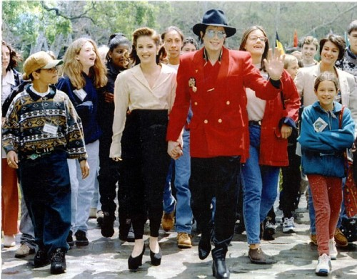 The singer and ex-wife Lisa Marie Presley welcomed youngsters for World Childrens's Conference at Neverland in 1995