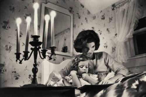 Jackie Kennedy, wife of then-Senator John F. Kennedy, reads a bedtime story to daughter, Caroline, at the family home in Hyannisport, Massachusetts. Jackie Kennedy loved books and passed this joy on to her children. September 13, 1960