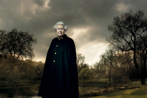 photo of Queen Elizabeth II at Buckingham Palace, March 28, 2007, by Annie Leibovitz