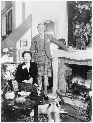The Duchess and Duke of Windsor at hone