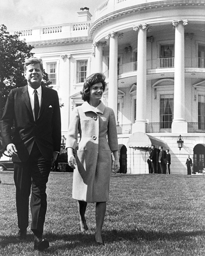 jackie kennedy at white house lisa s history room rh lisawallerrogers com jackie kennedy white house jackie kennedy white house