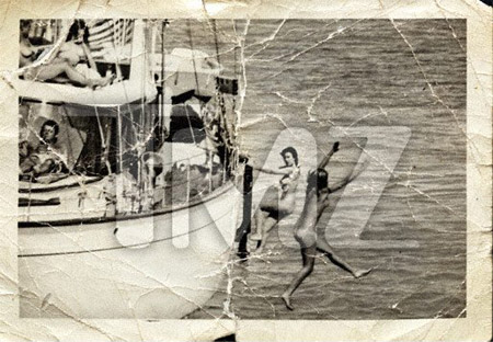 Naked girls sailboats reddit New Photo Is That Really Jfk On A Yacht With Naked Women Lisa S History Room