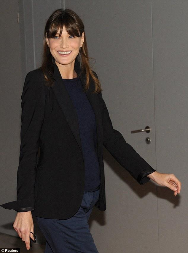 Carla bruni sarkozy lisa 39 s history room for Bruni arredamento