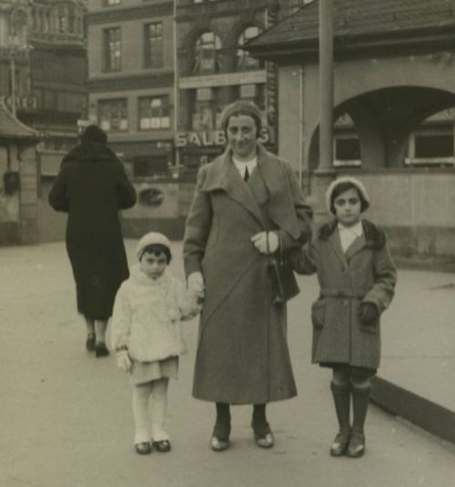 March 1933, the last picture taken of Anne, Edith, and Margot in Germany, prior to emigrating to Holland. Anne is 3 years old. They are standing in the Hauptwache square in the center of Frankfurt am Main
