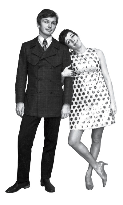 "Fashion designer, Bob Mackie, AKA ""The Rajah of Rhinestones"" or ""The Sultan of Sequins"" with TV comedienne, Carol Burnett, with whom he worked from 1967-1978. Photo 1967. Courtesy Bob Mackie."