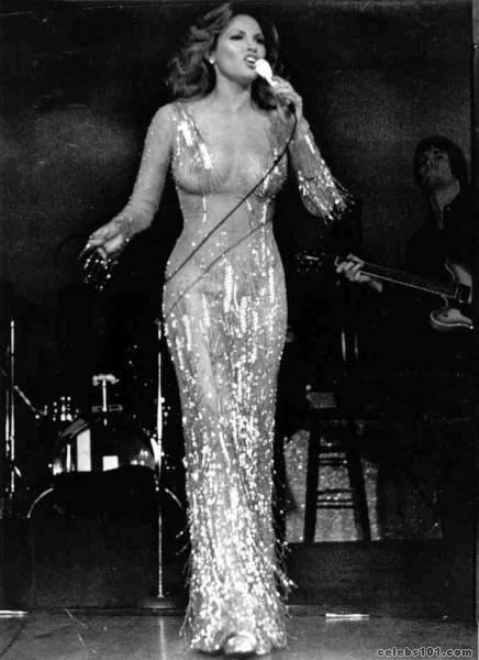 Raquel Welch in B Mackie
