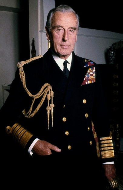 800px-Lord_Mountbatten_Naval_in_colour_Allan_Warren