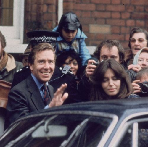lord-snowdon-former-husband-of-princess-margaret-leaves-news-photo-1574273653 shortly after dec 1978 wedding